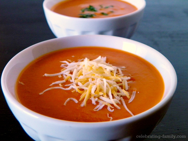Souper sunday simple and delicious tomato soup recipe for Easy tasty soup recipes