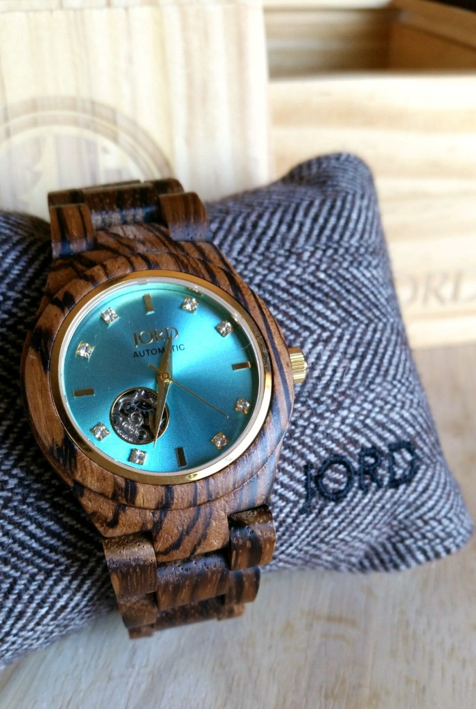 Jord Cora in Zebrawood and Turquoise